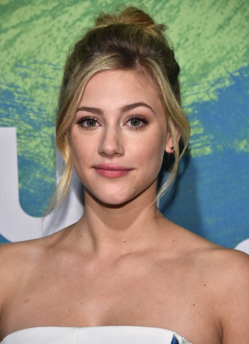 Celebrities Who Embrace Their Acne | Lili Reinhart
