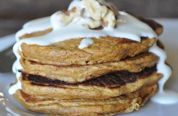 Spiced carrot pancakes with cream cheese