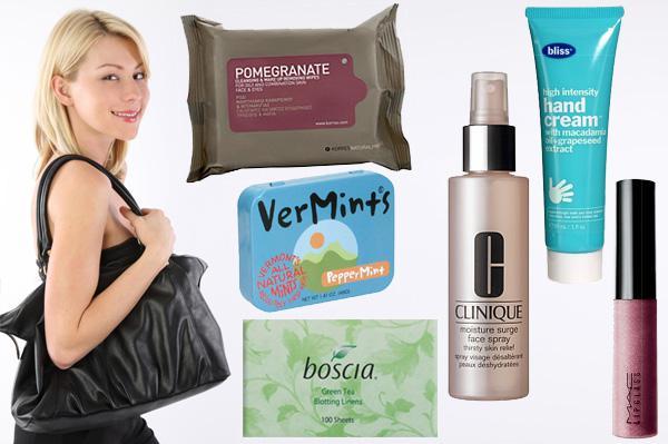 6 Must-have handbag essentials