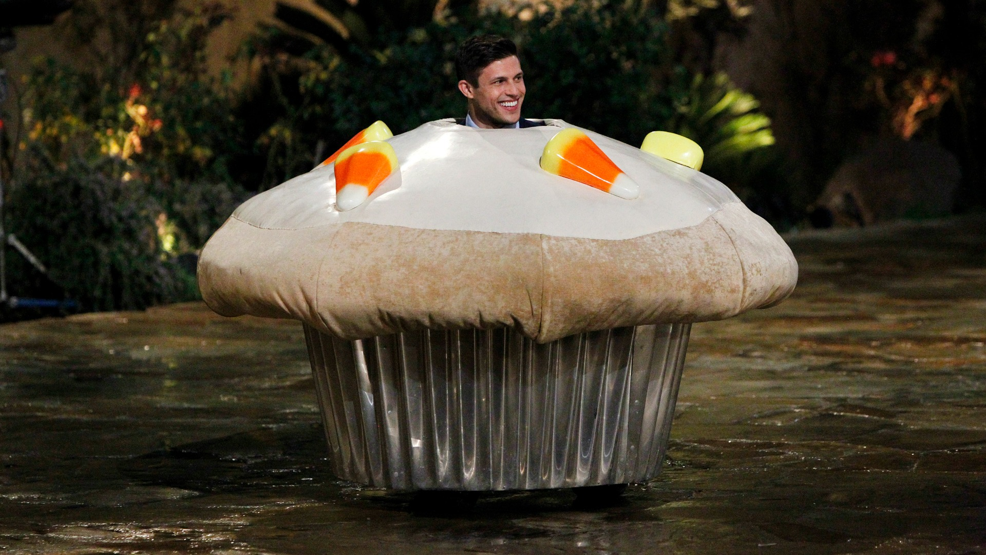 Bachelorette guy in cupcake costume