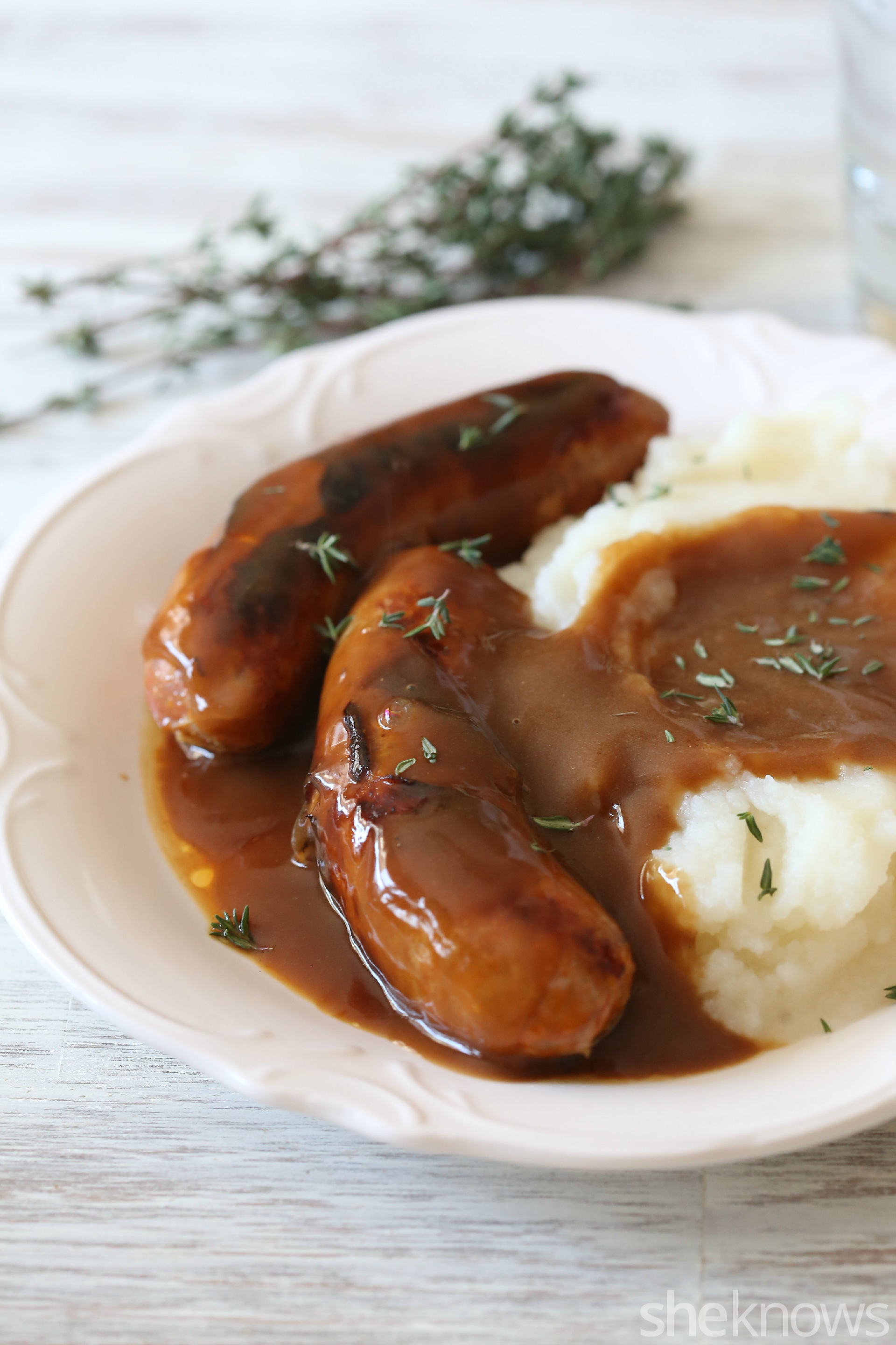 bangers and mash with guinness gravy