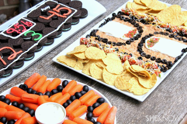 Basketball snack trays