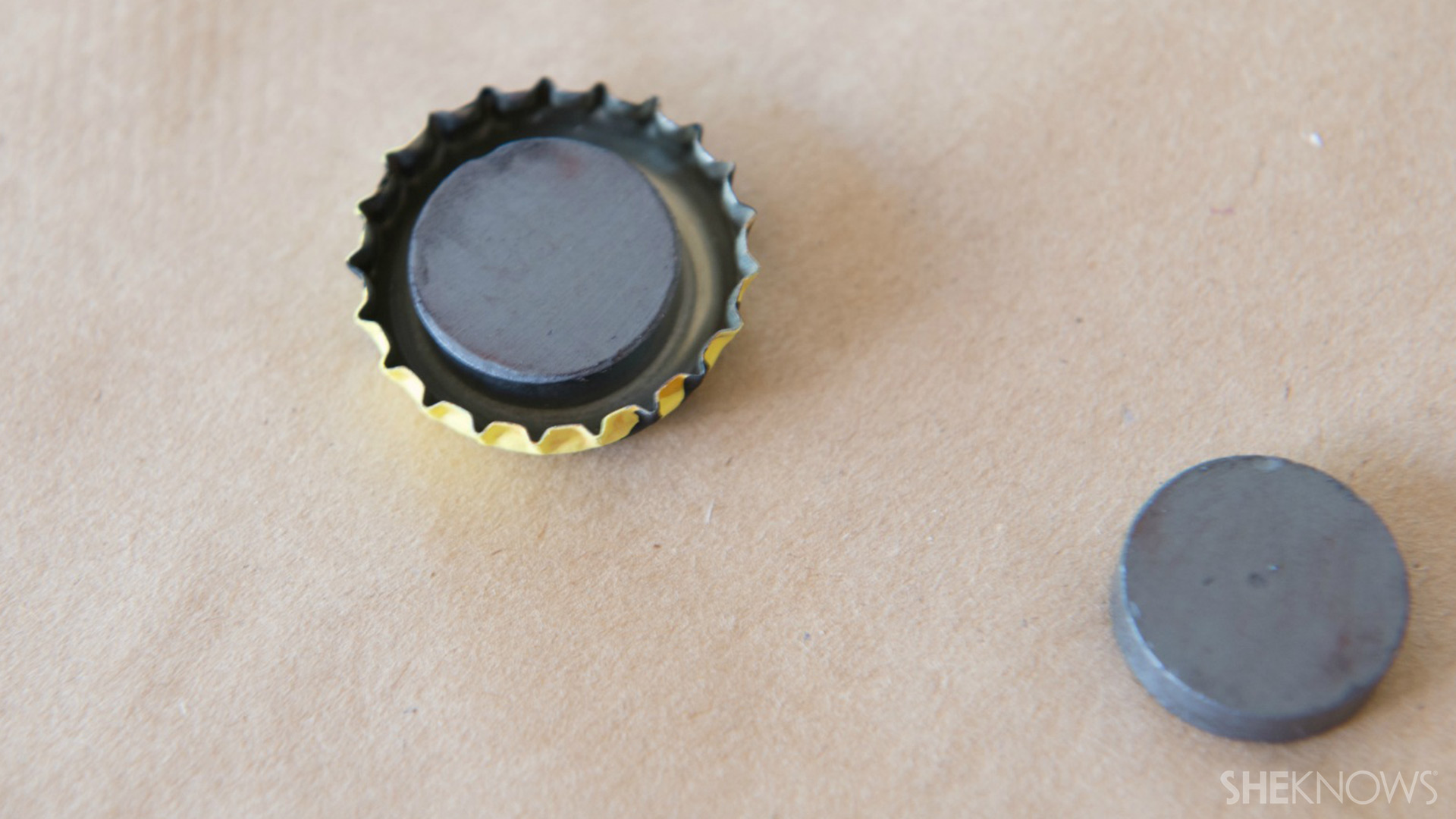 Bottle cap magnets | Sheknows.com - glue magnet