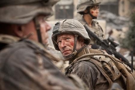 Aaron Eckhart in Battle: Los Angeles