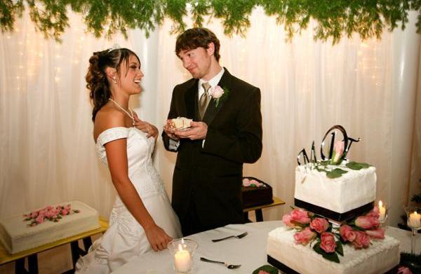 8 Wedding cake myths