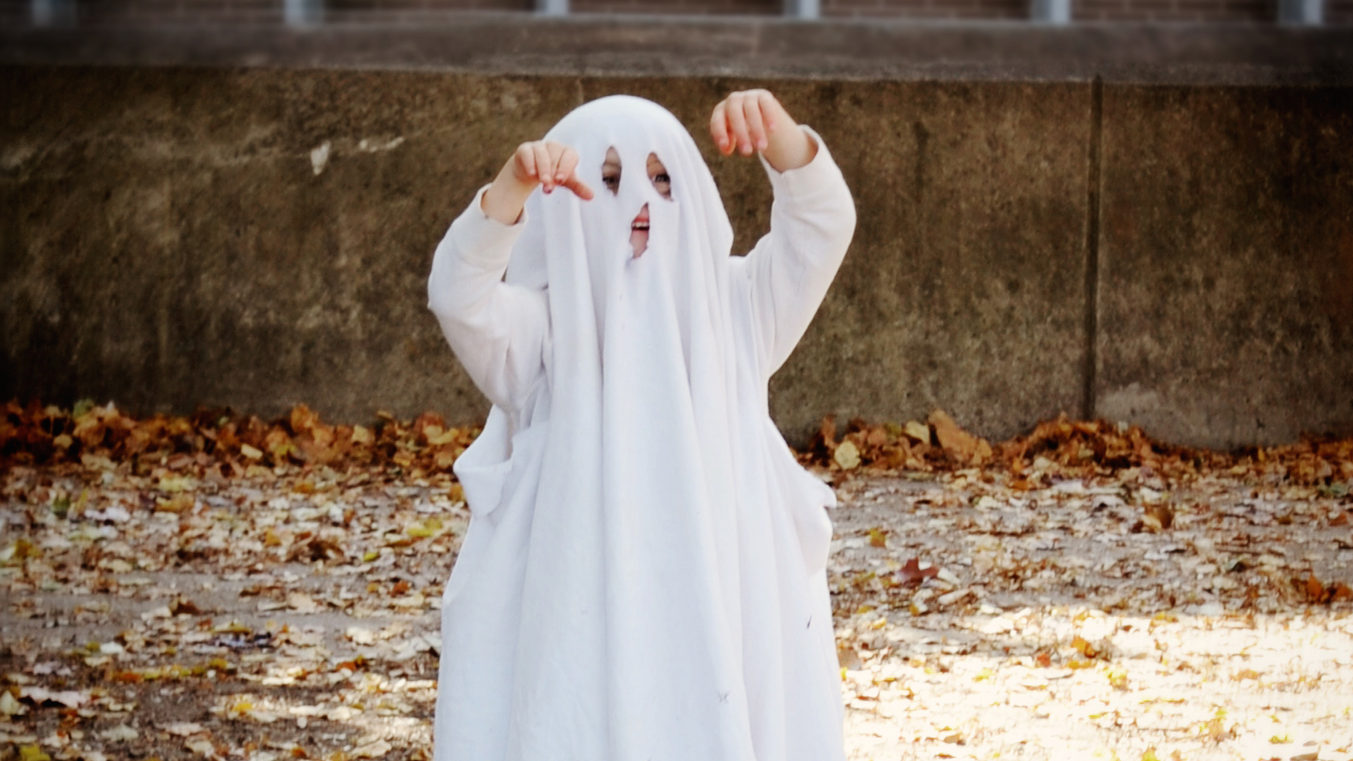 7 ridiculously easy halloween costumes using only a bedsheet – sheknows