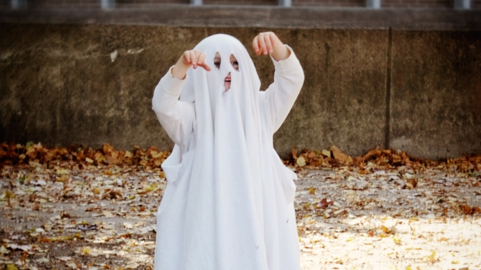 7 Ridiculously Easy Halloween Costumes Using