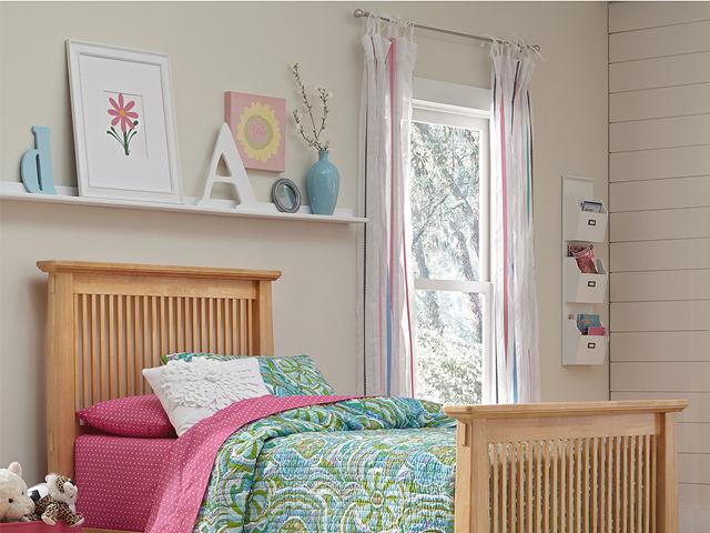 Little girl's bedroom set