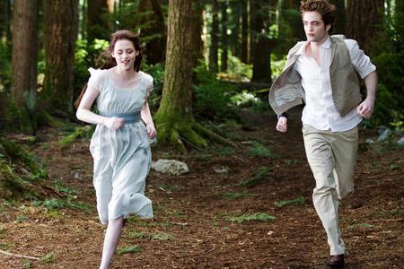 Kristen Stewart and Robert Pattinson go for a run