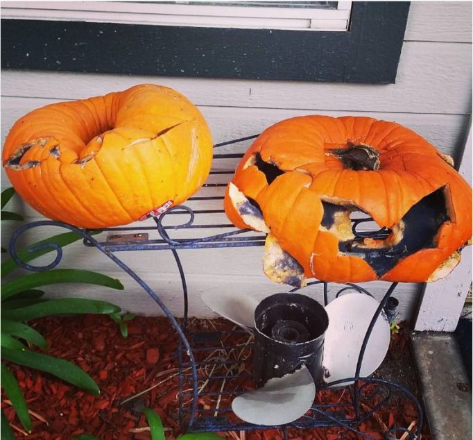 20 Jack-o'-Lantern FAILs That Will Make You Scream... With Laughter
