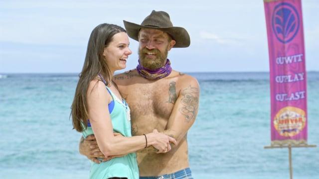 Ben Driebergen with his wife during family visit on Survivor: Heroes Vs. Healers Vs. Hustlers
