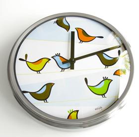 Kid-friendly chrome clock