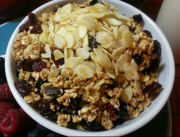 Bethenny's Homemade Almond-Berry Granola