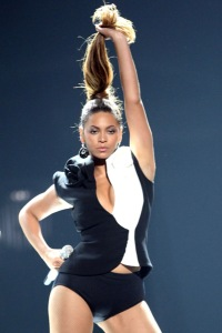Beyonce and her Single Ladies rock the Grammys