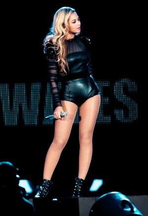 Beyonce experiences hair malfunction