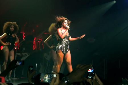 Beyonce pregnant at Roseland Ballroom