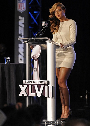 Beyonce holds press conferences, admits to lip-synching