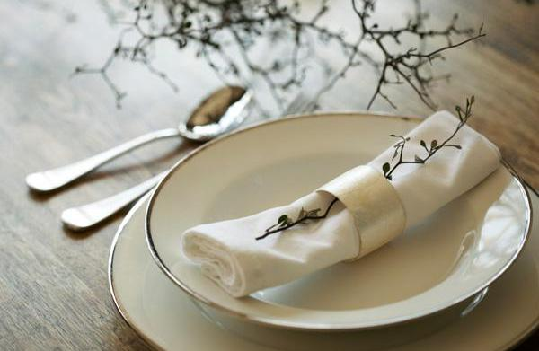 Decorate your dining table for fall