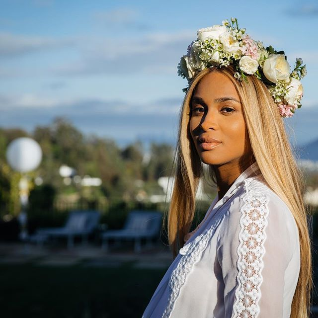 Best Pregnant Celebrity Beauty Looks Ever: Ciara's Bronzed Skin And Blown Out Hair | Celeb Style 2017