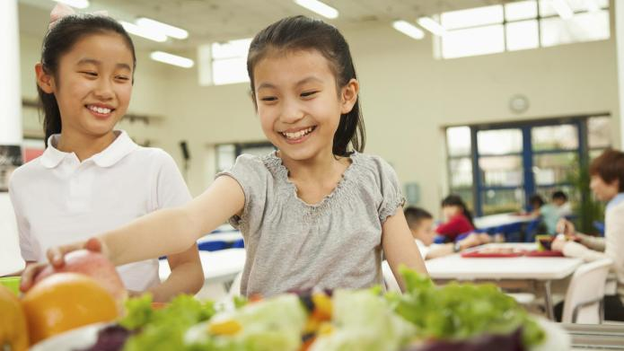 How to handle food allergies at