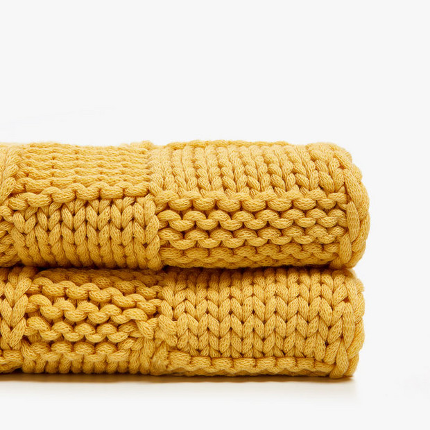 10 Zara Home Kids Pieces Adults Will Want, Too: Knit Blanket With Raised Checks