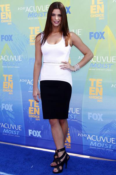 Ashley Greene: Grownup Look