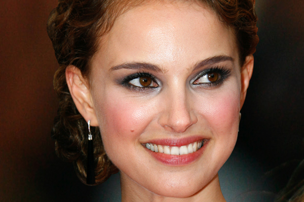 young actresses under 40