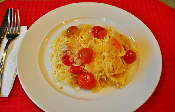 Tonight's Dinner: Capellini and tomato-clam sauce