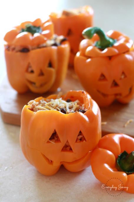 Legitimately Good Halloween Recipes: Shredded Chicken Rice Stuffed Peppers Halloween Style | Halloween treats 2017