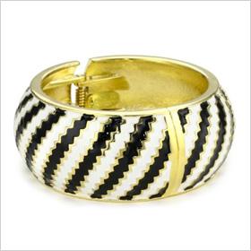 Black and white ceramic cuff
