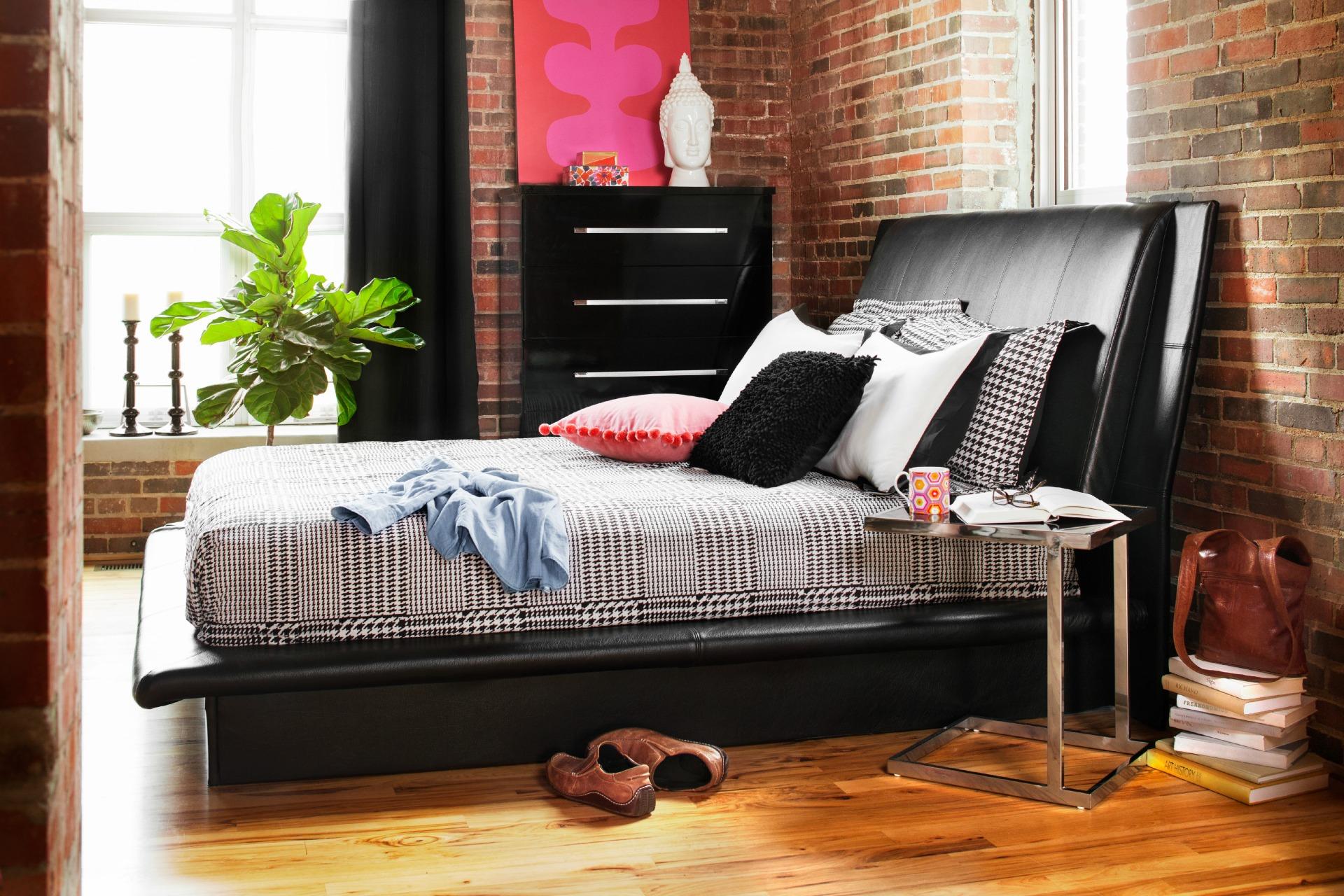 Low horizontal bedroom set
