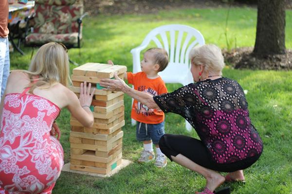 Backyard block game | Sheknows.com