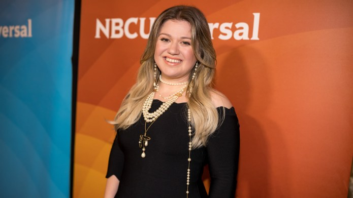 Kelly Clarkson Has a New Look