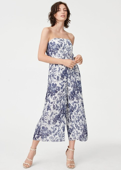 Best jumpsuits for the summer-to-fall transition: Club Monaco Jessany Jumpsuit | Fall Fashion 2017