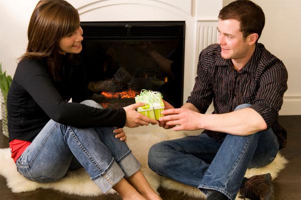 Boyfriend getting housewarming gift