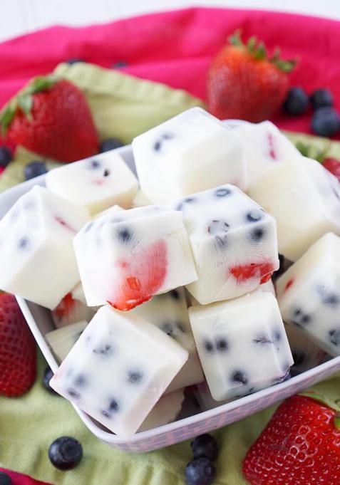 Frozen Yogurt Berry Bites