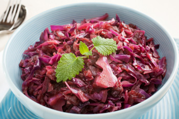 Braised Apple and Cabbage