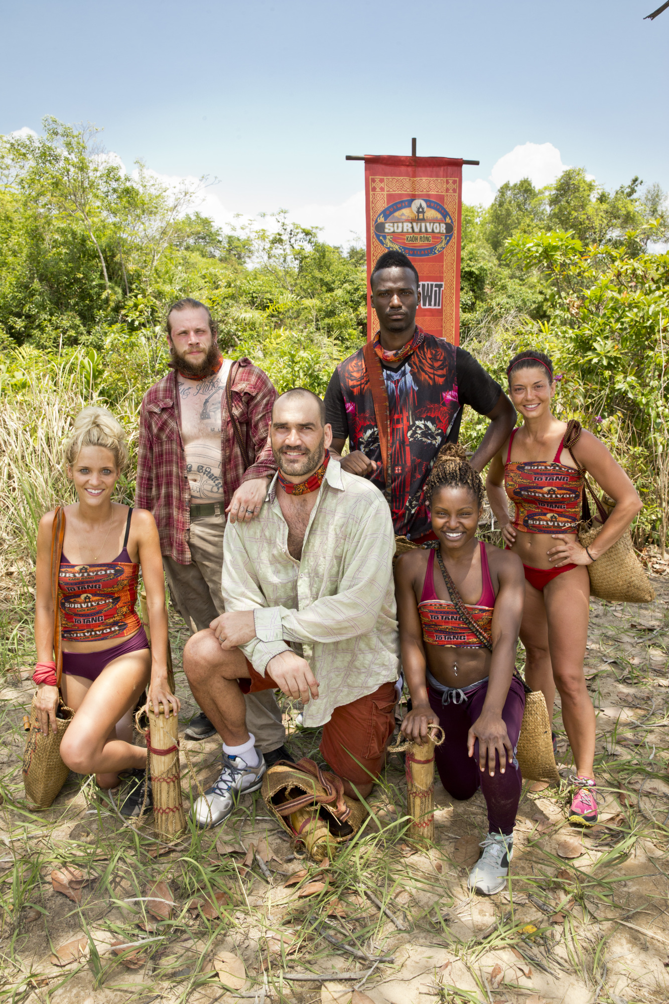 Brawn tribe poses for group photo on Survivor: Kaoh Rong