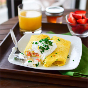Smoked salmon in egg crepes