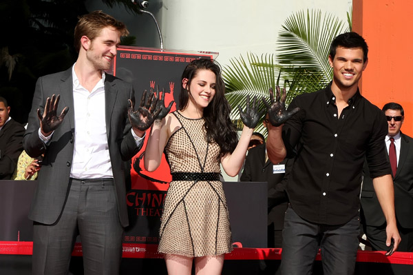 Breaking Dawn cast gets immortalized in cement