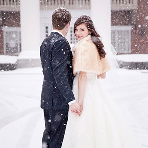 Bride and groom in the snow | Sheknows.ca