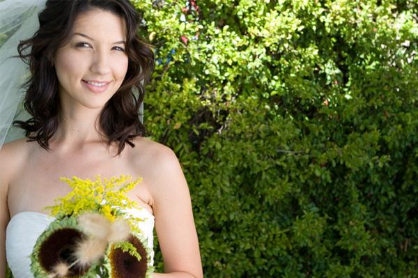 Bride with signature boquet