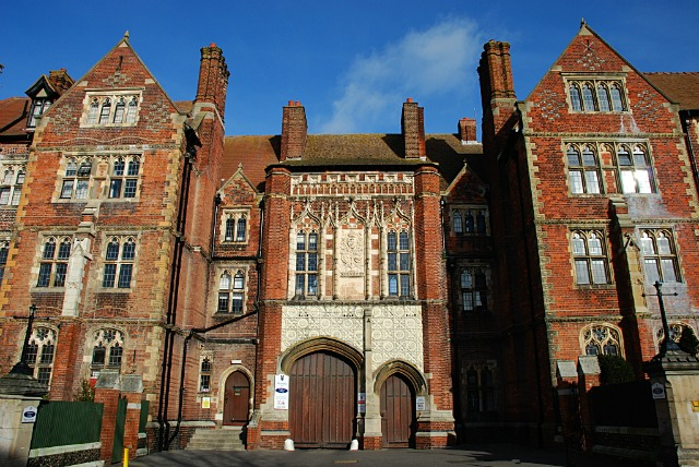 Brighton College changes uniform policy to meet needs of trans pupils