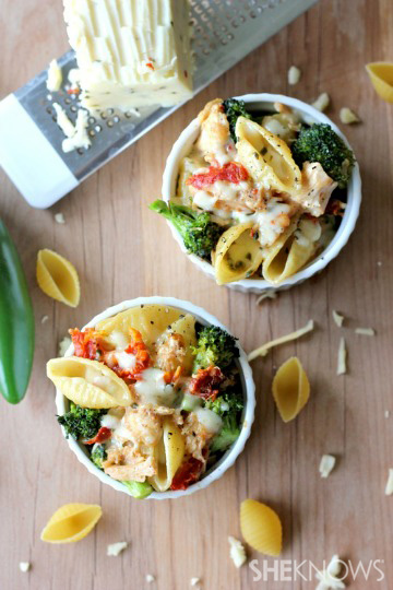 Broccoli chicken macaroni and cheese