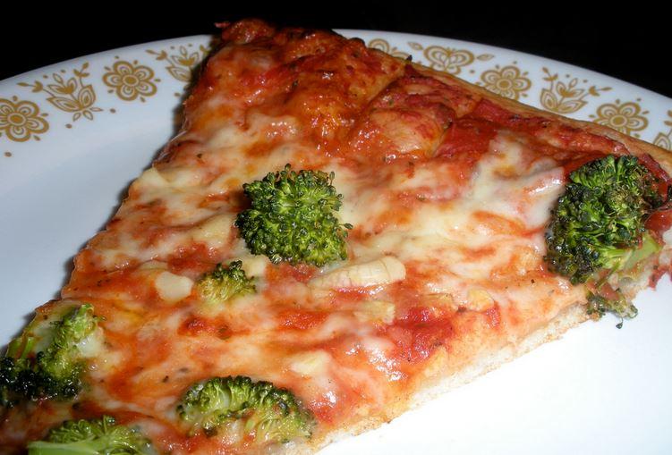 Broccoli pizza