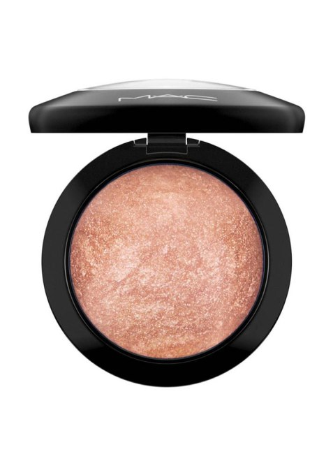 Bronzer for Brown Skin: MAC Mineralize Skinfinish in Cheeky Bronze