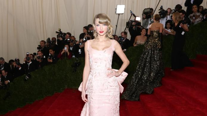 Taylor Swift forgives her cat for