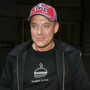 Tom Sizemore admits Hurley/Clinton affair story