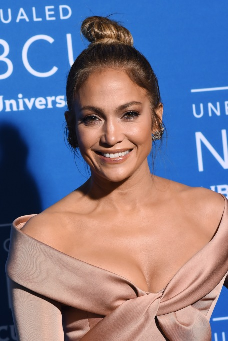15 Celebrities who Overcame Poverty: Jennifer Lopez
