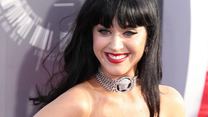 PHOTO: Katy Perry dyes her hair